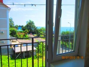 Гостиницы в Лоо с видом на море первая линия фото
