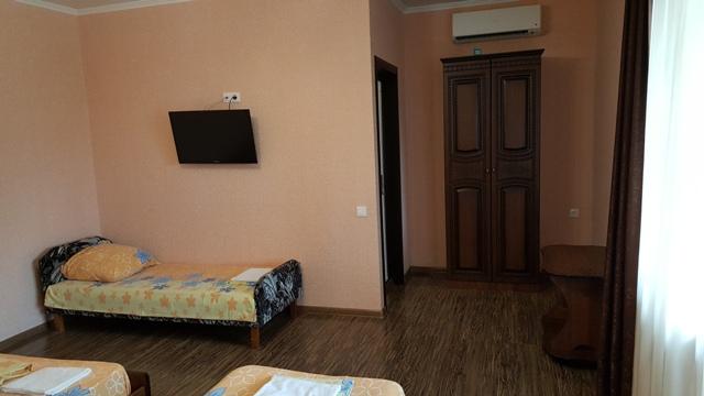 Гостиницы в Лоо рядом с пляжем фотографии телефон хозяев