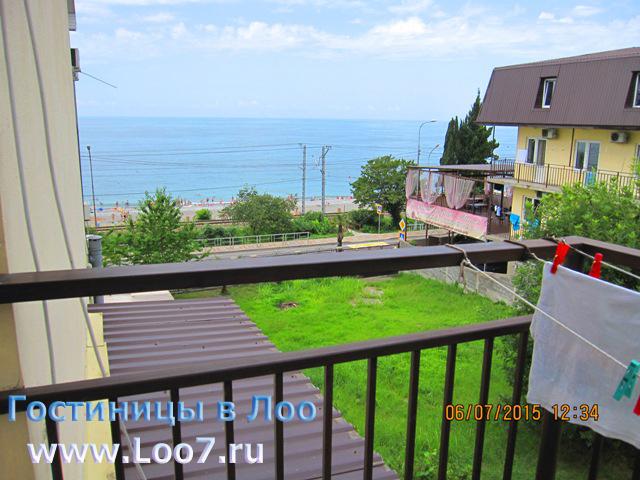 Гостиница в Лоо 2 номера с видом на море