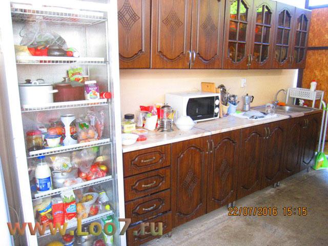 Гостиницы в Лоо с кухней в номере фото