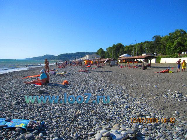 Центральный пляж в Лоо рядом с частной гостиницей