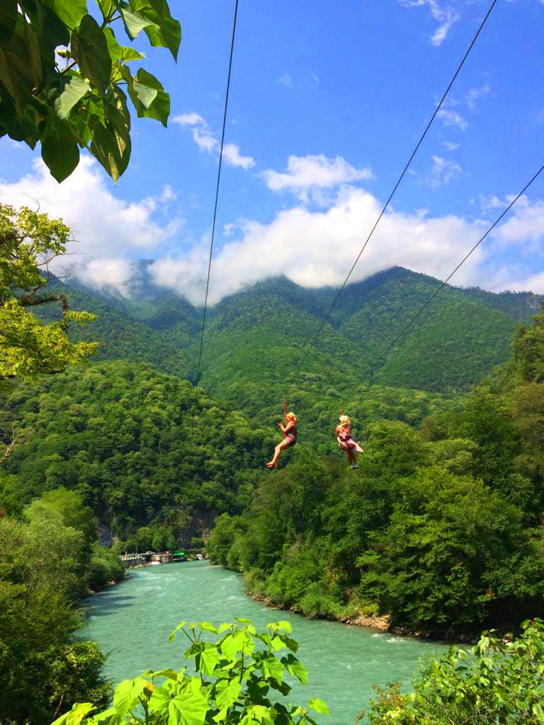 Джиппинг в Абхазию из Сочи на 1 день. Гегский водопад и озеро Рица