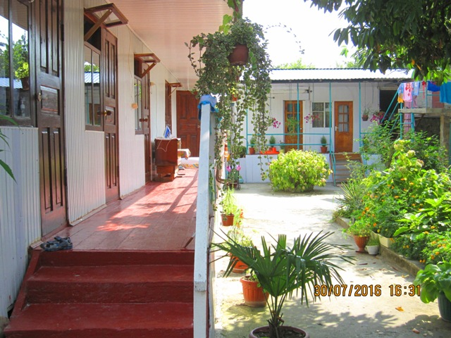 Жилье в Лоо на лето недорого деревянные домики по 350 - 450 рублей
