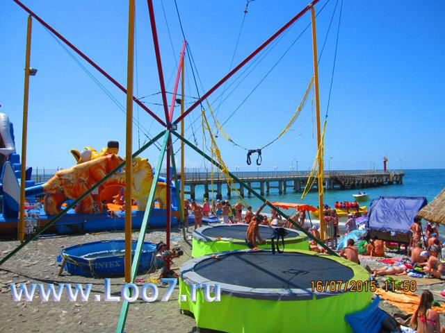 Развлечения на пляже в Лоо для детей разного возраста и взрослых