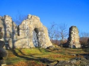 Византийский храм в поселке Лоо фото
