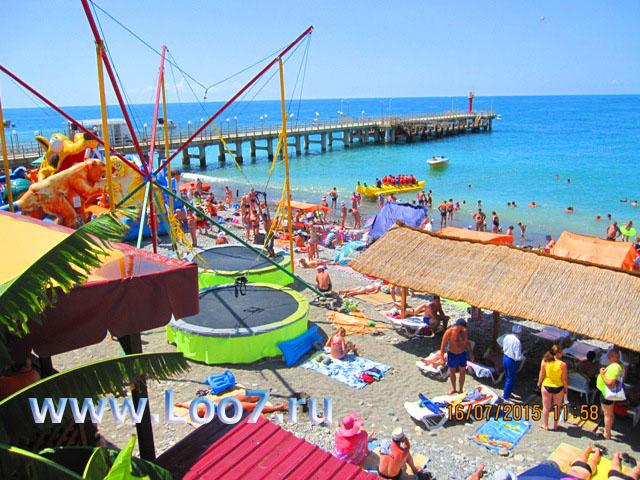 Отдых в Лоо для детей на центральном пляже