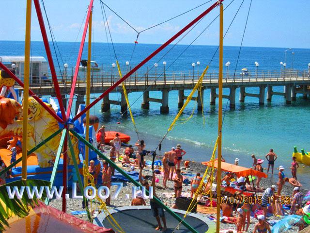 Отдых в Лоо на пляже развлечения рядом с эллингами фото