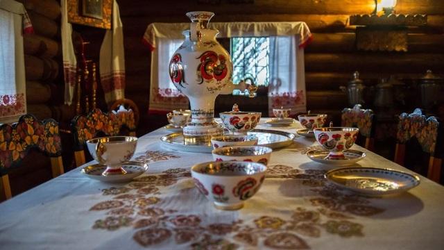 Экскурсия из Лоо Чайные домики.