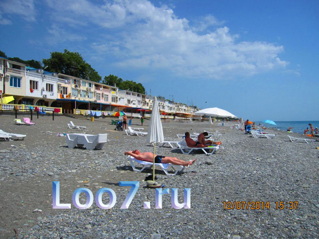 Пляж в Лоо гостиницы у самого моря