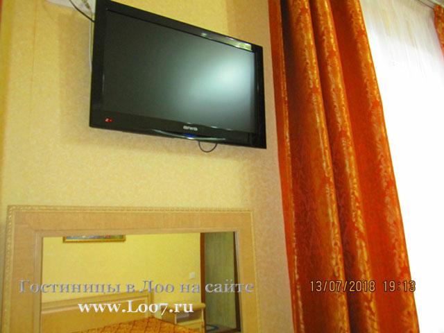 Гостиницы в Лоо с видом на море и бассейном