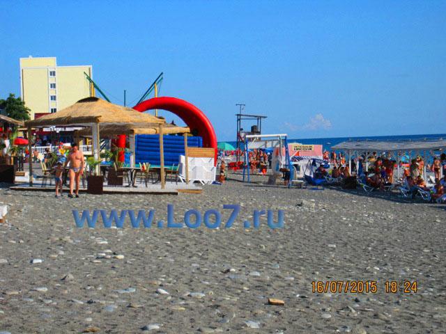 Центральный пляж Лоо фото отдыхающих