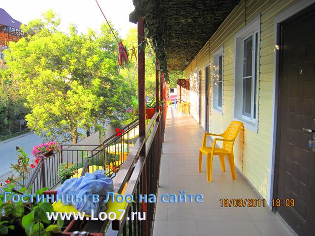 Мини гостиница в Лоо 15 вид с второго этажа