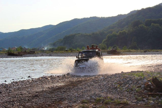 Экскурсии в поселке Лоо фото