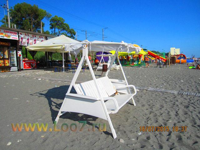 Какой пляж в Лоо песок или галька фото