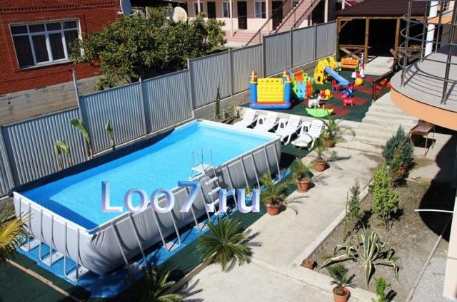 Гостиницы в Лоо с детской площадкой на территории