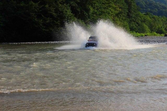 Джиппинг в Лоо поездка на 33 водопада цена от 1300 рублей.