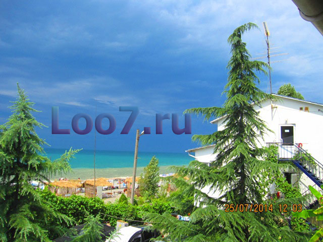 Посёлок Лоо расположенный на побережье Чёрного моря в 17 километров от посёлка Лазаревское