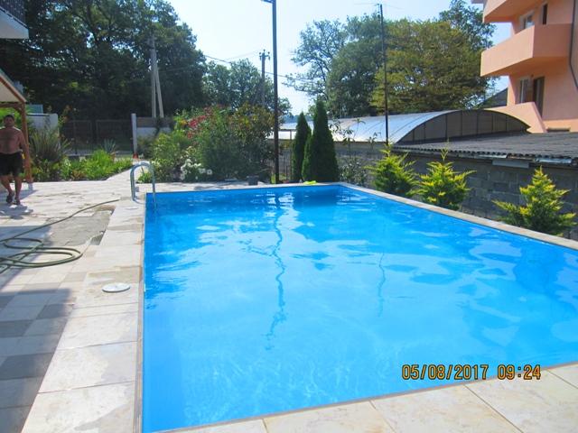 Отдых в Лоо гостиницы с бассейном и питанием ндорого