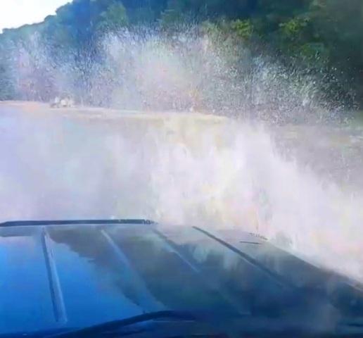 Вардане джиппинг в на 33 водопада и Долину Легенд