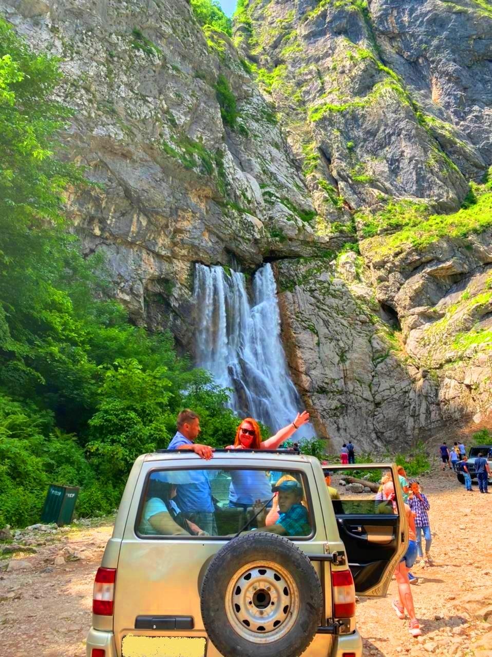 Джиппинг в Абхазию из Сочи на Гегский водопад и озеро Рица