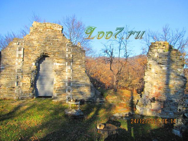 Поселок Лоо Византийский храм