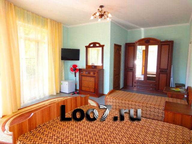 Отели и гостиницы в Лоо