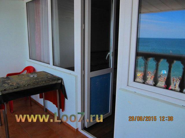 Номера в Лоо с отдельным балконом видом на море