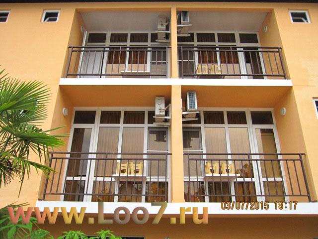 Гостиницы в Лоо с отдельными балконами видом на море