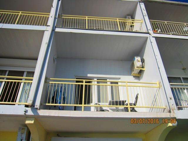 Номера с балконом в Лоо