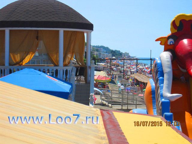 Гостевые дома на пляже Лоо частный сектор у самого моря фото