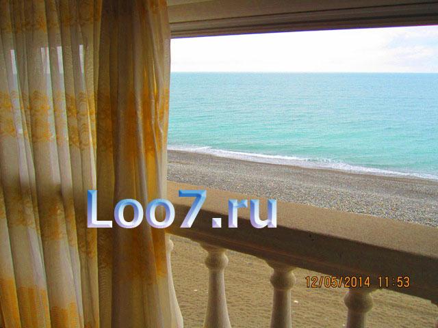 Лоо первая линия гостиницы на берегу