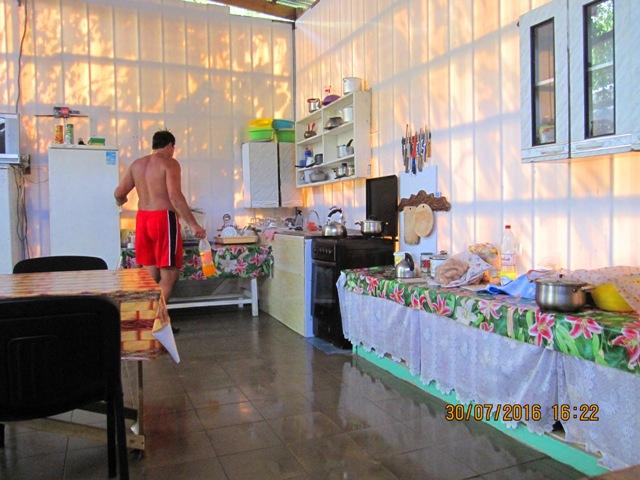 Гостевые отдельные домики в Лоо частный сектор у самого моря цены фото отзывы
