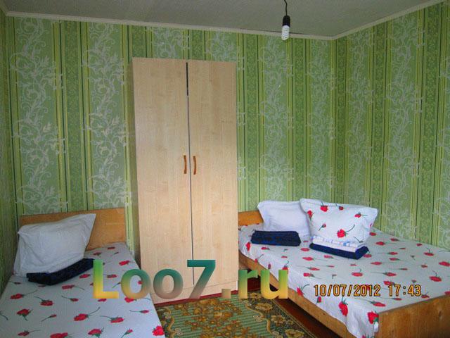 Деревянные отдельные домики в Лоо