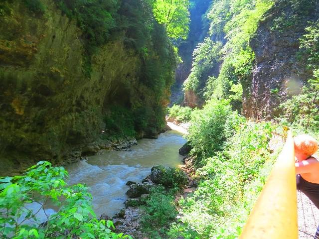 Экскурсия из Лоо в Мацесту на Змейковские водопады.