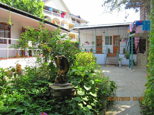 Отдых в Лоо отдельные домики по 450