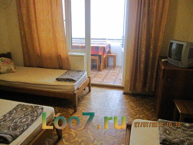 Гостиница в Лоо у самого моря на улице азовская