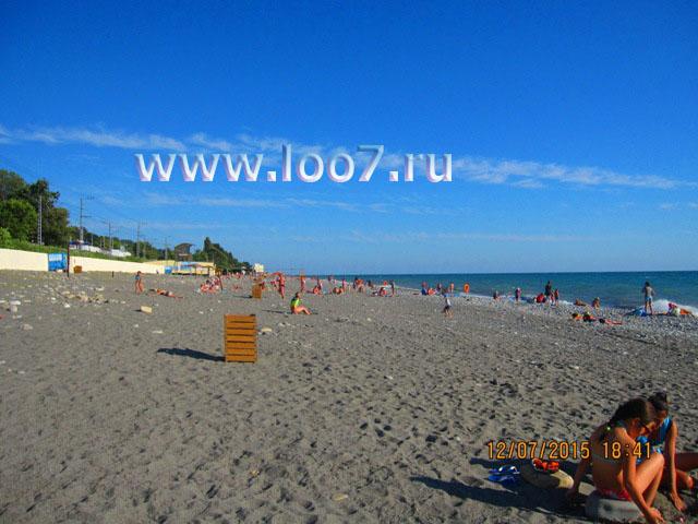 Пляж в Лоо рядом с гостинице фото