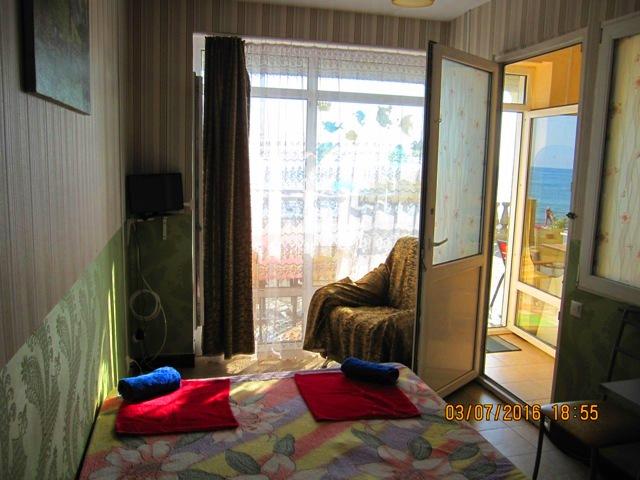 Отдых в Лоо номера с видом на море