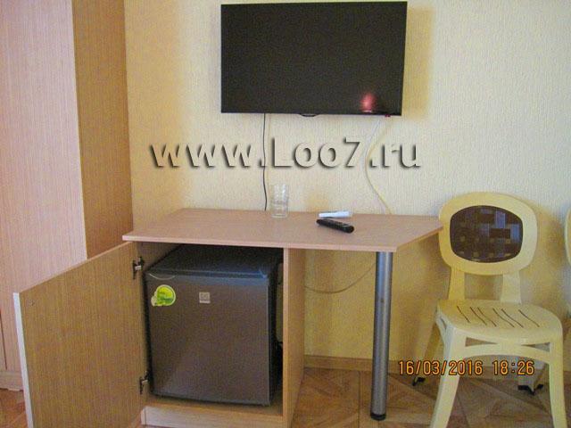 Номера люкс в Лоо с холодильником в номере