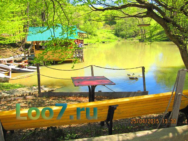 Гостиница в Лоо Роза рядом озеро с рыбалкой