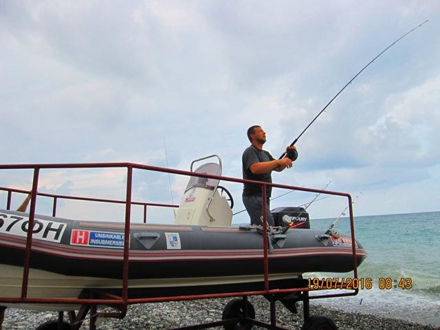 Морская рыбалка в Лоо фото