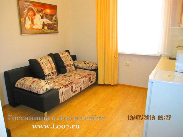 Раскладной диван в двух комнатном номере