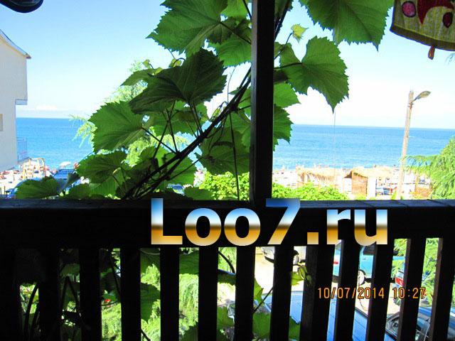 Домики в Лоо у самого моря фото
