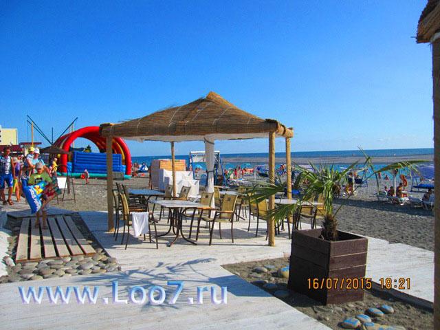Лоо пляж горный воздух домики у моря