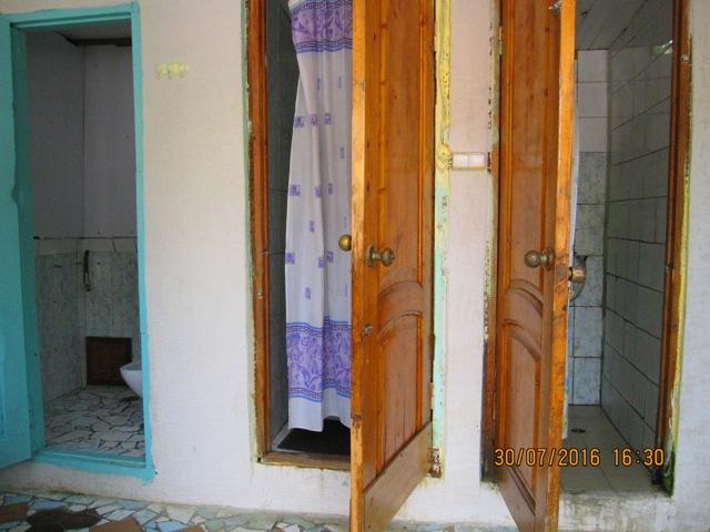 Лоо частный сектор недорого отдельные домики у моря по 350, 400, 450 рублей в сутки