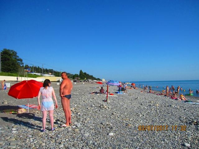 Пляж в Лоо рядом с гостиницей фото отдых цены