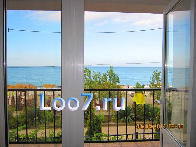 Номера в Лоо с видом на море, фото цены