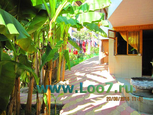 Домики в Лоо с детской площадкой для детей