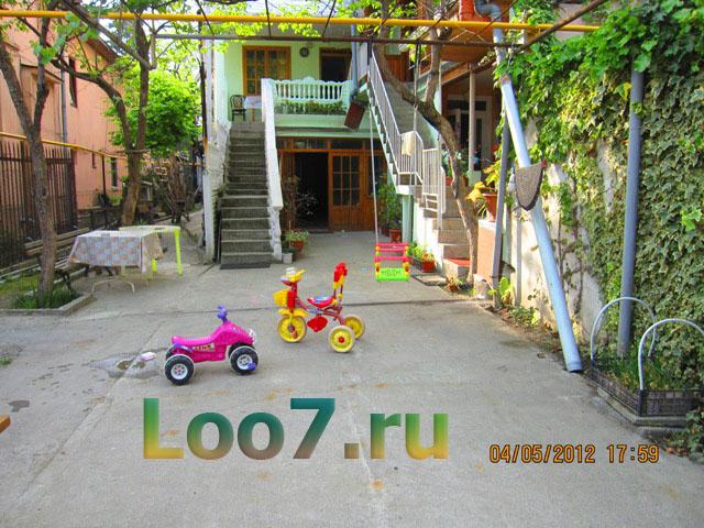 Лоо гостевые дома низкие цены 350 рублей
