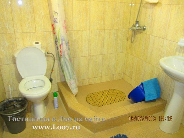 Гостиница в Лоо 48 номера стандарт с удобствами в номере
